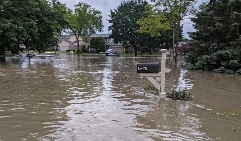 Heavy rains flood Michigan